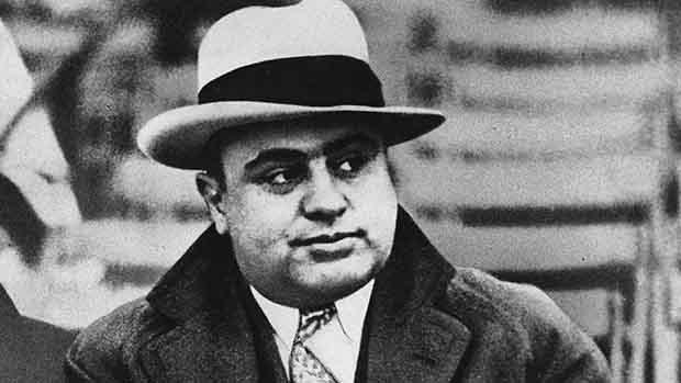 Ал Капоне: Скандалния бос на Чикаго