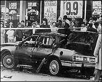 Взривената кола на ДеКико