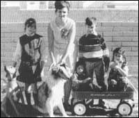 Андрю със семейството си