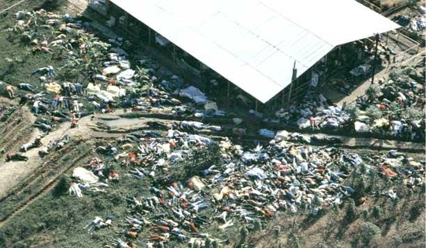 Телата на жертвите от масовото самоубийство в Джоунстаун