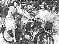 Фред на мотоциклета си