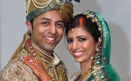 Младоженците Шрин и Ани Деуани сключиха брак в Индия