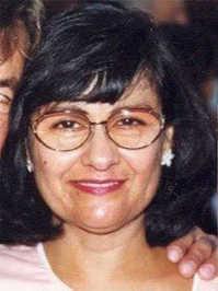 Амелиа Смит изчезва през 2000 г. През същата нощ домът и колата й изгарят в подозрителен пожар