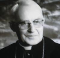 Епископа на Вюрцбург Йозеф Стангл