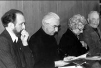 Подсъдимите - отец Алт, отец Ренц, Анна и Йозеф Микел