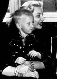 Барбара Пейтън със сина си