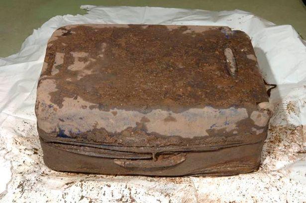 Куфарът, в който е погребана Баназ