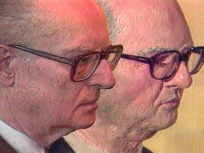 Бюстът на Лист, сравнен с него самия след залавянето му