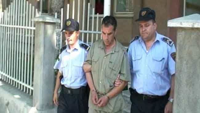 Арестът на репортера Владо Танески